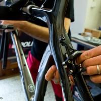 Na kole jsou použity hořčíkové čelisti, které dodala firma TRP.