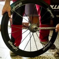 Na kolech jsou použity špičkové galusky českého výrobce Tufo a to model Pulse.