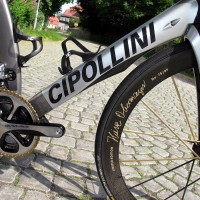 Cioa Bella! Guten tag! こんにちは (Kon'nichiwa)! Globalizace v cyklistickém světě nevyhnutelná...